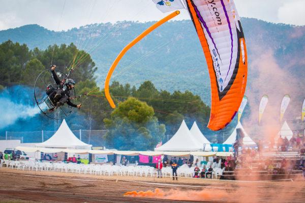 Una de la exhibiciones aéreas celebradas en pasadas ediciones en la Sierra de Segura.