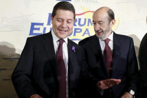 Emiliano García-Page y Alfredo Pérez Rubalcaba, durante un desayuno...
