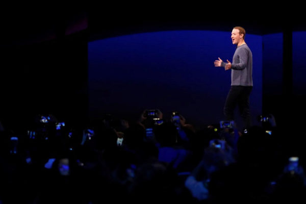 Mark <HIT>Zuckerberg</HIT>, CEO y cofundador de Facebook.