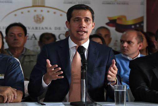 Guaidó durante una rueda de prensa en Caracas