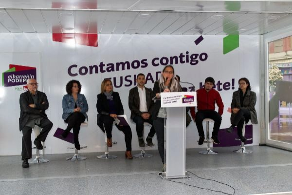 Acto de Elkarrekin Podemos en Vitoria.