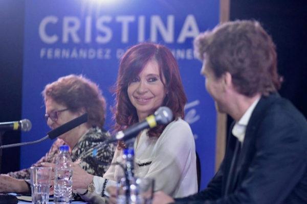 Cristina Fernández de Kirchner durante la presentación de su libro este jueves.