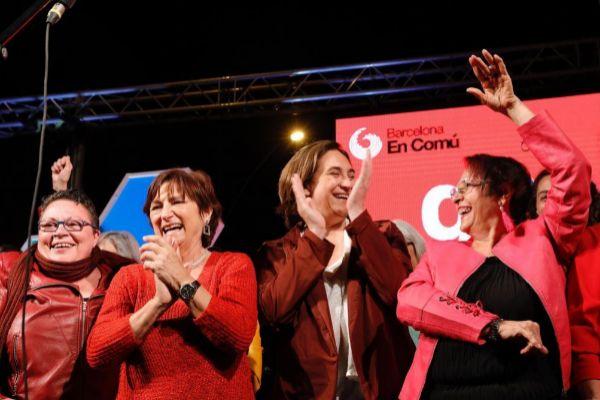 Barcelona, 9 de Mayo de 2019 La alcaldesa en funciones y candidata de Barcelona en Común, Ada <HIT>Colau</HIT> con el voto de la formación durante el inicio de la campaña electoral a las municipales.