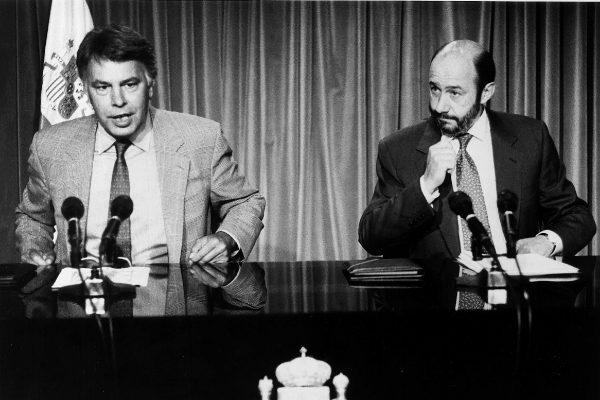Felipe González y Alfredo Pérez Rubalcaba, en una imagen de archivo