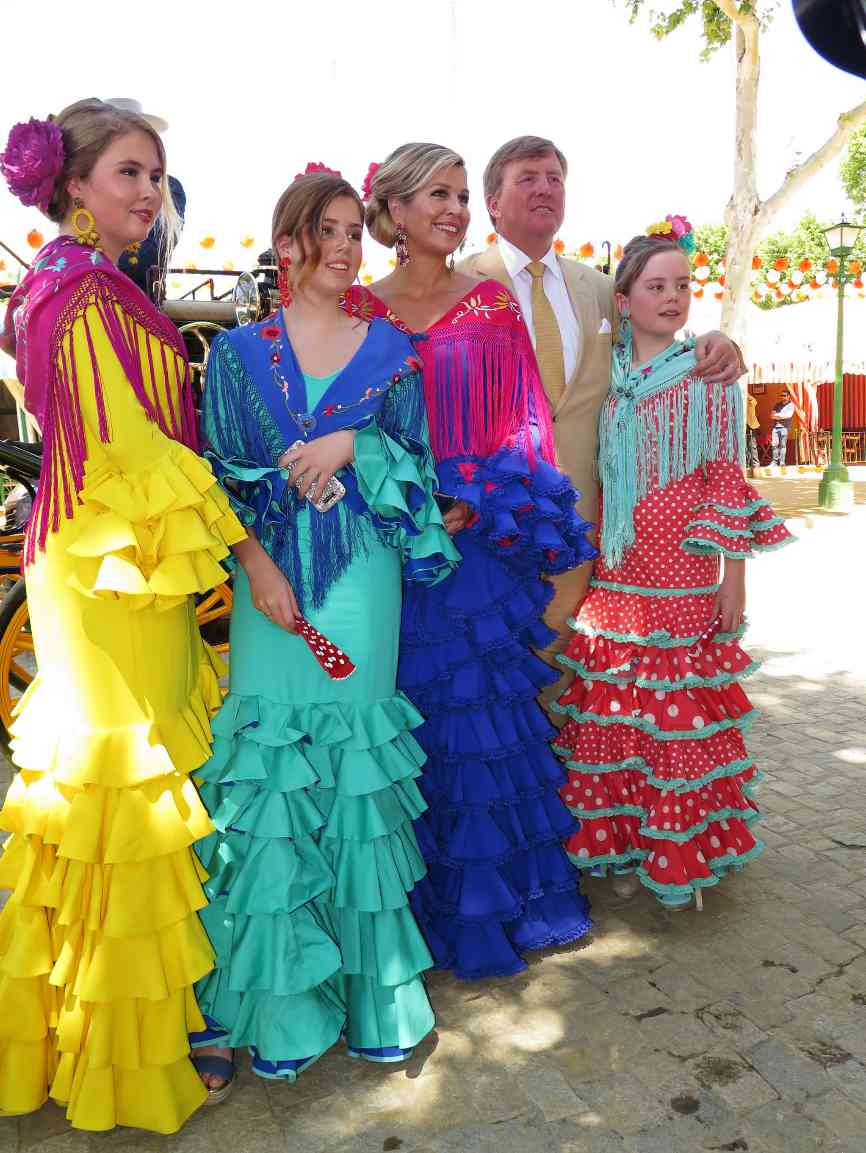 Los Reyes de Holanda, acompañados por sus tres hijas, han pasado el...