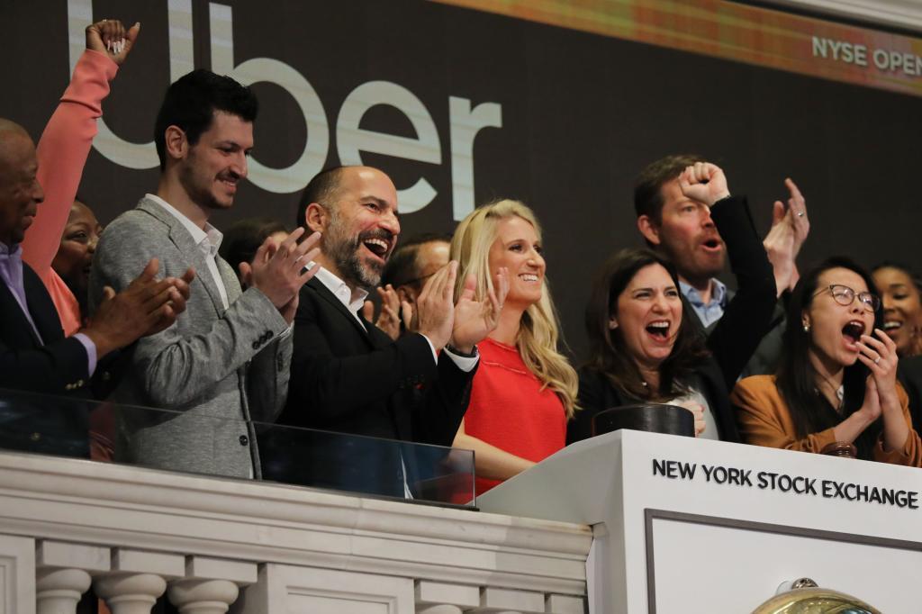 El consejero delegado de Uber, Dara Khosrowshahi, durante la salida a Bolsa del grupo en Nueva York.