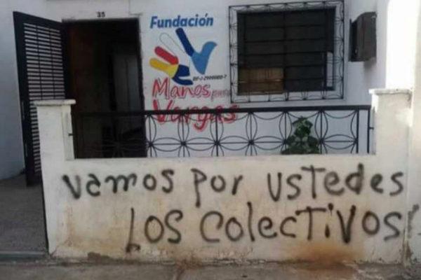 Uno de los inmuebles que ha amanecido con pintadas, en Vargas.