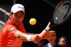 Djokovic, directo a semifinales debido a un virus estomacal de Cilic