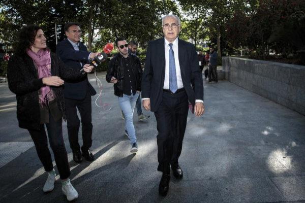 El exconseller Rafael Blasco, antes de entrar a declarar en la Ciudad de la Justicia de Valencia.