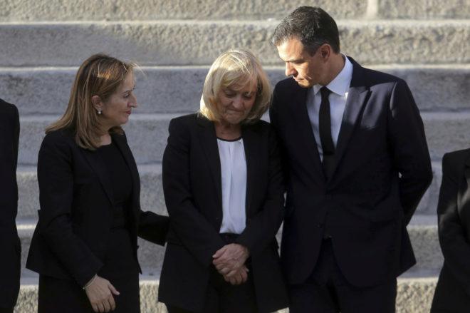 La viuda de Alfredo Perez Rubalcaba, Pilar Goya, con Ana Pastor y...