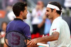 Thiem salva dos bolas de partido y doblega a un admirable Federer