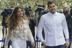 """Iker y Sara vuelven a la """"bendita normalidad"""": paseos y trabajo (ella) en Ibiza"""
