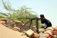 Un soldado yemení durante una operación militar del gobierno en territorio controlado por rebeldes hutíes.