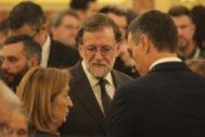 Ana Pastor, Mariano Rajoy y Pedro Sánchez, en la capilla ardiente de Rubalcaba.