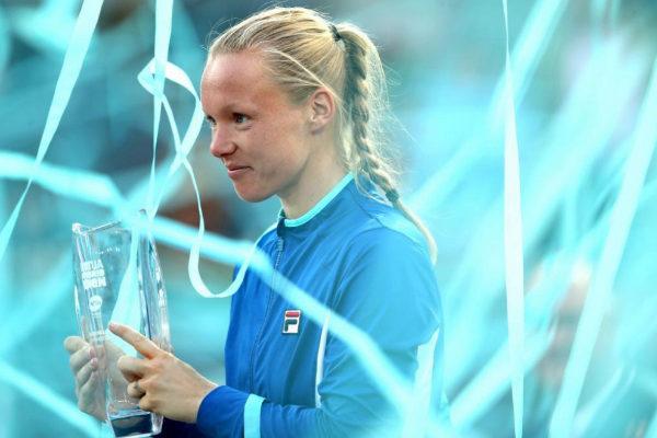 Kiki Bertens, con el trofeo de Madrid.