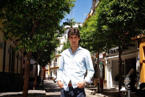 Pablo Aguado, el día después de la apoteosis, en las calles de Sevilla
