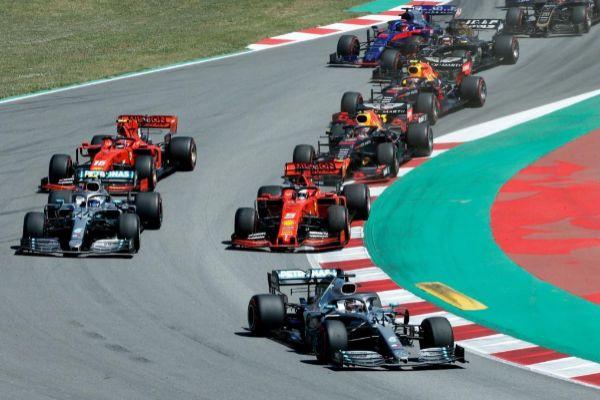 Hamilton, por delante de Bottas y Vettel en Montmeló.