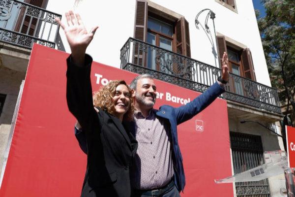 Meritxell Batet y Jaume Collboni en un mitin feminista en Sant Andreu.