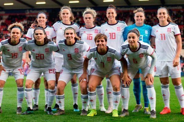 Las jugadoras de la selección femenina, en un partido amistoso.