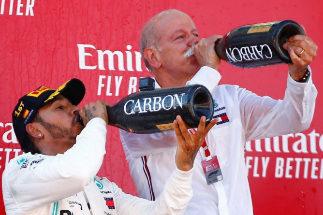 Hamilton otorga el 10 de la perfección para Mercedes