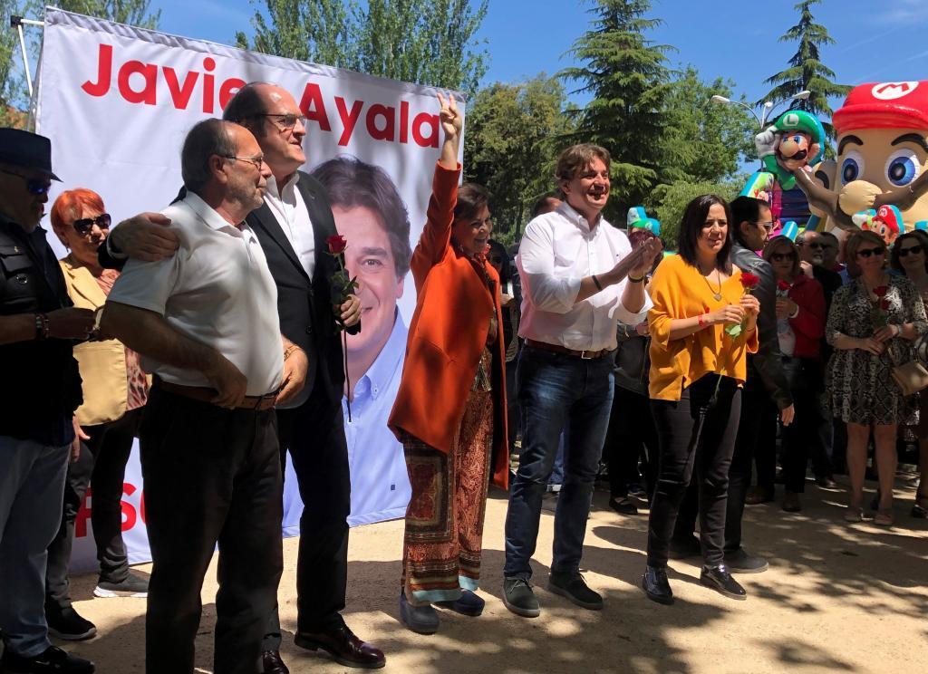 Ángel Gabilondo y Carmen Calvo, ayer en un acto en Fuenlabrada.