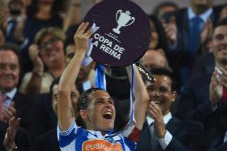 Ramajo levanta la Copa de la Reina.