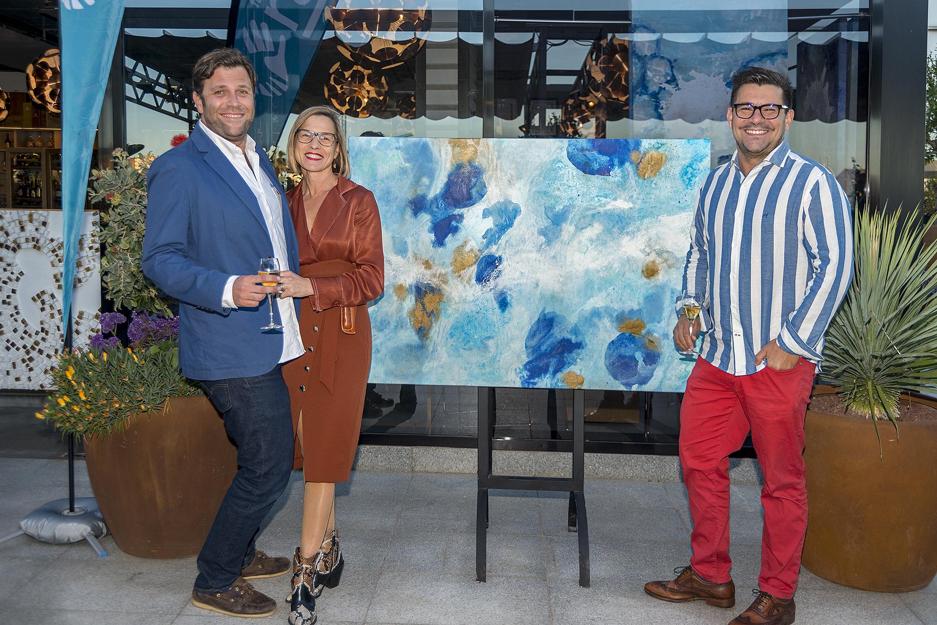 El pasado jueves 9 de mayo, en el Restaurante Schwaiger Xino`s se celebró la IV edición de SchwaigArt, una noche en la que la artista mallorquina Estefanía Pomar Aloy presentaba sus últimas obras de Algae.