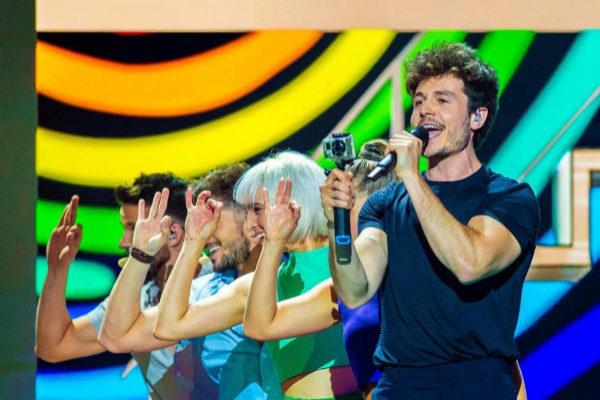 Miki y los bailarines defienden La Venda en Eurovisión 2019