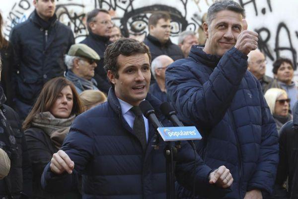 Pablo Casado y Xavier García Albiol durante un acto de campaña.