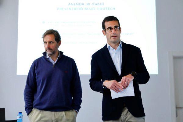 Juan Núñez y Pablo Lara durante la presentación del informe 'Marco Edutech' en Barcelona.