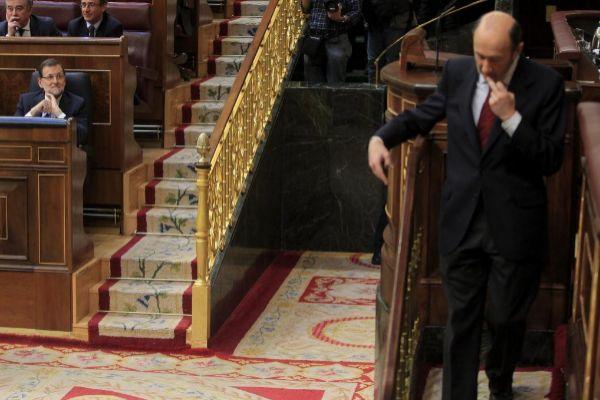 Rubalcaba y Rajoy, en un debate parlamentario en 2014.
