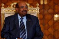 El presidente depuesto de Sudán, Omar al Bashir, en El Cairo en 2016.