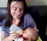 Ana R., con su bebé.