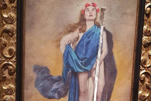Obra 'Con flores a María' de Charo Corrales