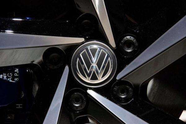 Una llanta de un Volkswagen Passat