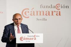 El director de EL MUNDO, Francisco Rosell, en la conferencia de la Cámara de Comercio de Sevilla.