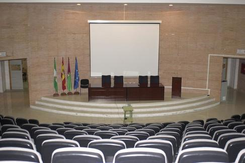 Aula Magna de la Facultad de Comunicación y Turismo de la Universidad de Málaga