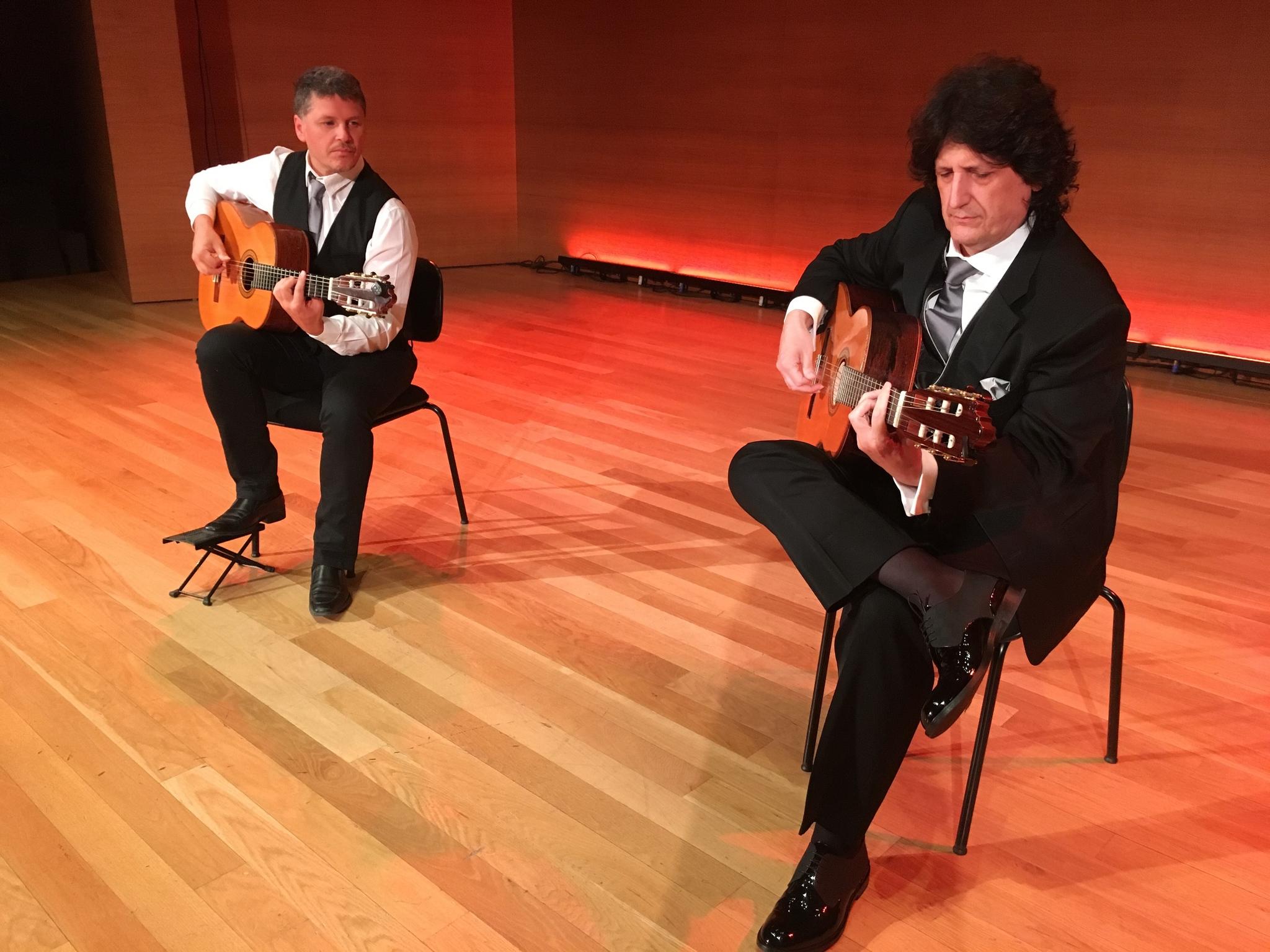 Actuación de Cañizares y Gómez