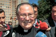 El obispo auxiliar de Valencia, Esteban Escudero, tras prestar declaración en calidad de imputado.