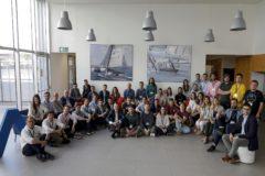 Los integrantes de las nuevas empresas que se suman a Lanzadera, en la sede de la aceleradora de Juan Roig.