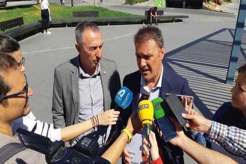 Joan Baldoví y Natxo Bellido, este miércoles en Alicante.