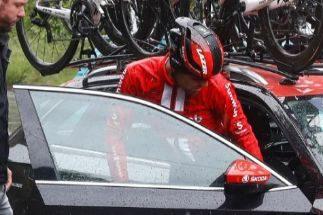 Dumoulin abandona el Giro en medio de la inundación
