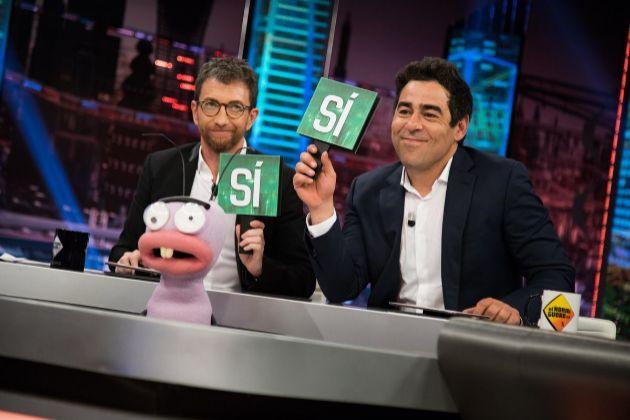 """Pablo Motos y Pablo Chiapella en El Hormiguero en Antena 3, donde el presentador confesó haber tenido un lío """"ilegal"""" con una profesora"""