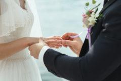 ¿Deben declarar los novios los sobres con dinero que reciben en las bodas?