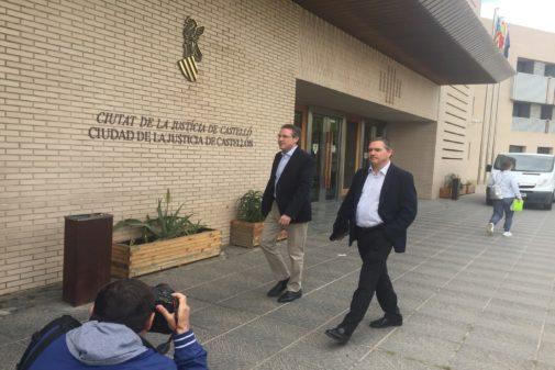 El exsubdelegado del Gobierno de Rajoy, David Barelles, este jueves llegando a los juzgados de Castellón.