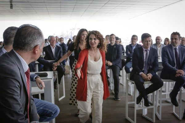 La ministra de Hacienda, María Jesús Montero, en un acto electoral del PSOE celebrado en Valencia.