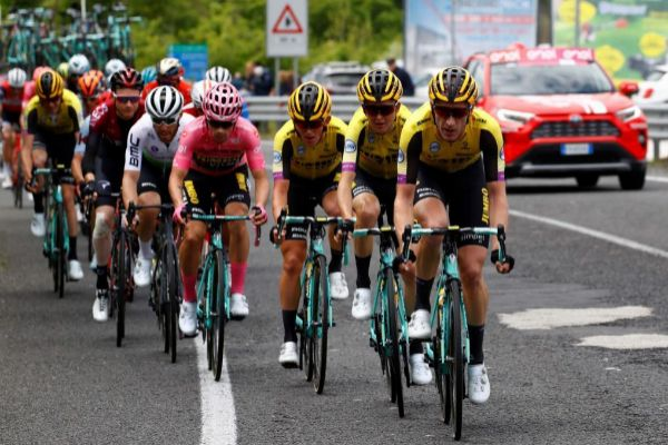 Team Jumbo rider Slovenia's Primoz Roglic (4R), wearing the pink jersey of the overall leader, rides with teamates of Team Jumbo during stage six of the 102nd <HIT>Giro</HIT> d'<HIT>Italia</HIT> - Tour of Italy - cycle race, 238kms from Cassino to San Giovanni Rotondo on May 16, 2019. (Photo by Luk BENIES / AFP)