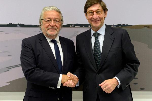 El presidente de la Fundación Bancaja, Rafael Alcón, y el presidente de Bankia, José Ignacio Goirigolzarri.