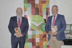El rector de la UNIA, José Sánchez Maldonado, y el vicerrector de Extensión Universitaria y Cursos de Verano, Manuel Acosta.