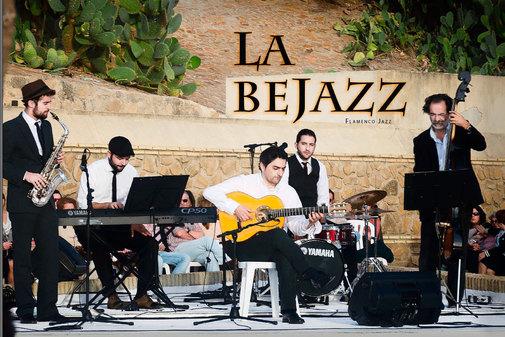 Los componentes de La Bejazz, en un cartel promocional.